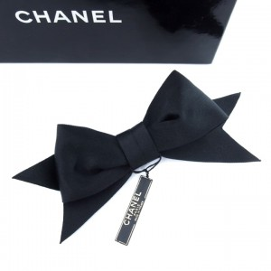 Vintage Chanel Bow Brooch 1