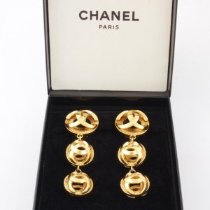 Chanel Chunky Earrings 1
