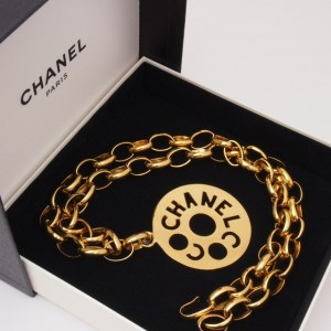 Vintage Chanel Chunky Gold Chain 1