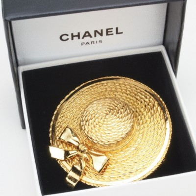 Vintage Chanel  Gold Brooch 1